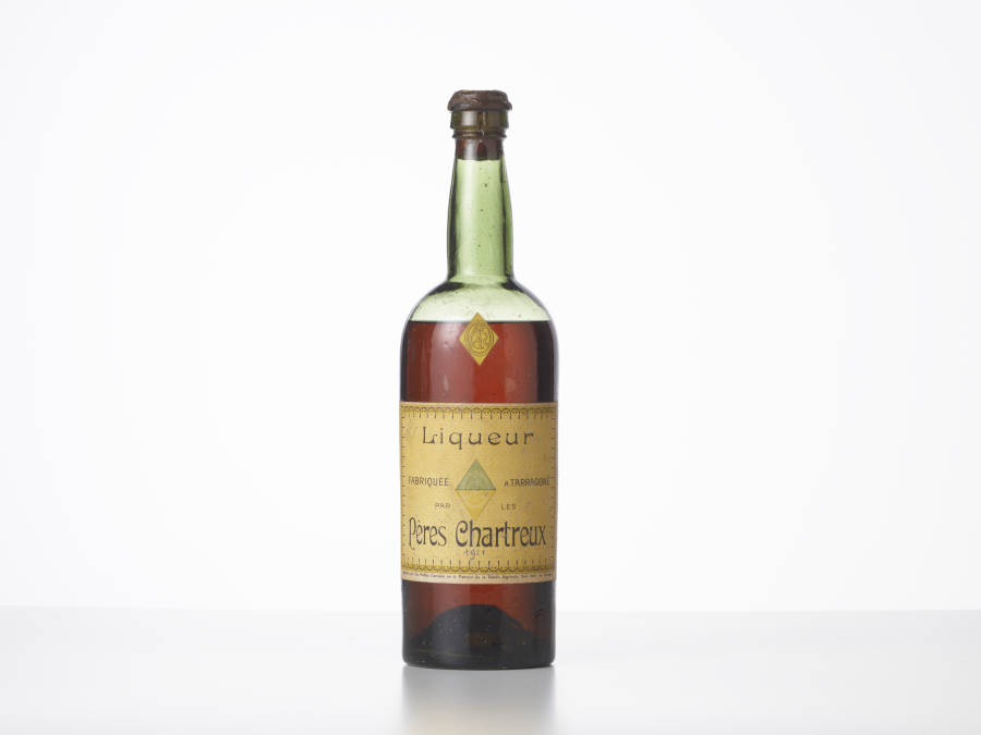 1 bouteille Chartreuse Jaune 1904-1930 Tarragone